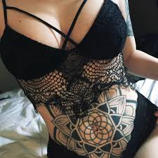 татуировки на животе для девушек идеи 2018