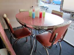 Round Formica Table 17 Best Images About Vintage Kitchen Tables On Pinterest Table