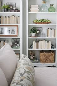 5 simple tips for decorating shelves