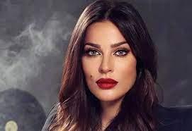 نادين نجيم ترد على الانتقادات التي تعرضت لها بسبب عمليات التجميل - Jadeedoha