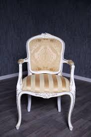Barock Stuhl Rcr 036 Mit Armlehnen Antik Weiß Lackiert Mit Stoffbezug
