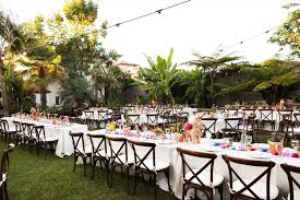 Hot Summer Wedding TrendsSummer Backyard Wedding