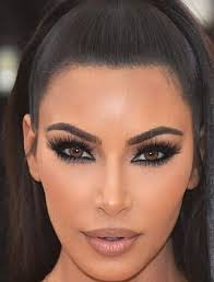 kim kardashian makeup done by mario met gala 2018 with lilly lashes