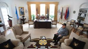 Oval office white house Desk Glynn Crooks Former Tribal Leader And Member Of The Shakopee Mdewakanton Sioux Sits In His Replica Of The White House Oval Office On Jan House Beautiful Minn Man Creates Fullscale Oval Office Replica In Sprawling Home
