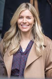 Sienna miller's movies keep her hot in hollywood. Sienna Miller Style Clothes Outfits And Fashion Celebmafia