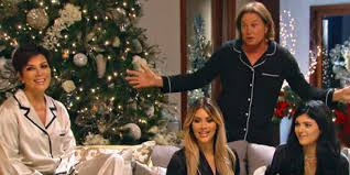 Kardashians' Christmas Special Is Missing Kanye West And Lamar ...