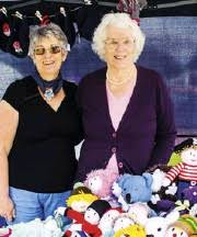 PressReader - The Wokingham Paper: 2018-12-20 - Friends knit the 12 Days of  Christmas – and it's a card