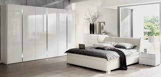 Schlafzimmer Grau Weiß Lila