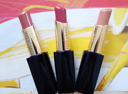 the new estee lauder pure color envy sculpting shine lipsticks are the perfect exle of what i ve termed smart lipsticks