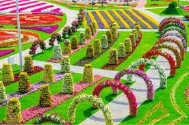 Априлски грижи в цветната градина. Naj Unikalnata Cvetna Gradina V Sveta Miracle Garden Beautiful Flowers Garden Most Beautiful Gardens