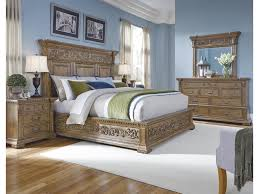 Stratton 737100 Low Traditional Dresser w/ Nine Drawers by Pulaski Furniture