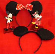 these diy mickey minnie mouse ears are a super fun party favor for a mickey