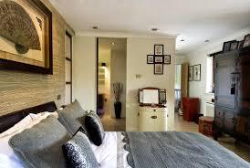 Modern Bedroom Flooring Luxury Modern Bedroom Platform Bed With Wooden Headboard Large