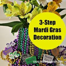 mardi gras centerpiece ideas 16 things to put in mardi gras gift baskets