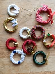 mini wreaths using wooden curtain rings