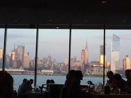 Chart House Nyc Sitting In The Restaurant Looking At Nyc Skyline Picture