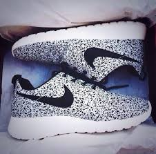 nike running shoes for girls black and white. shoes nike black and white running roshe run nikes gorgeous for girls