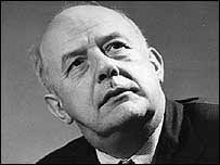 "John Heald says Betjeman ""was and is a national figure"" - _41983326_betjeman1_203bbc"