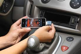 speakers that plug into headphone jack. there are a variety of ways to connect your iphone car speakers. the method that you choose will be dependent on stereo and speaker speakers plug into headphone jack