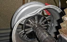 <b>Колесные диски</b>: ремонтировать или менять?