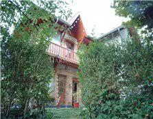maison à la tour du pin avec 4 chambres