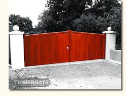 wooden driveway and entrance gates northern ireland belfast bangor newtownards timber gate