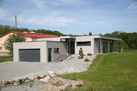 Maison à Ossature Bois Avec Grand Garage Et Appentis En Bois. Alsace, Haut  Rhin