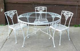 round glass patio table design