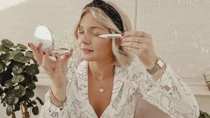 Let's talk about the new <b>L</b>'<b>Oréal</b> Paris <b>Clinically Proven</b> Lash Serum