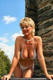 678 best images about SEXY MILFS on Pinterest