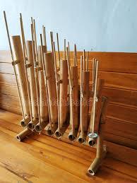 Alat musik tradisional dari indonesia bangsa indonesia merupakan bangsa yang kaya akan kebudayaan terutama di bidang kesenian yang pastinya ada berbagai macam. Distributor Alat Musik Tradisional Angklung Maluku Madaniah