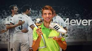 2014 FIFA World Cup™ - News - Muller receives World Cup honours - FIFA.com