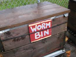 building earthworm boxes making worm composting bins for home and garden