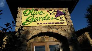 photo of olive garden italian restaurant manchester nh united states front