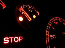 Zo Ver Kan Jouw Auto Nog Rijden Als Het Lampje Gaat Branden Autorainl