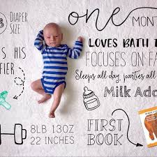One Month Old Baby Milestone Adorable One Month Old Baby Download The Little Nugget App To