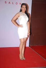 15 Cute Pics Of Hot Sonakshi Sinha Bollywood Actress Turned Singer.