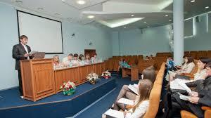 Преподаватели и студенты филиала МГЮА приняли участие в публичной  Посредством видеосвязи кировчане а также их коллеги из Оренбургского и Вологодского филиалов МГЮА не только наблюдали сам процесс защиты диссертаций