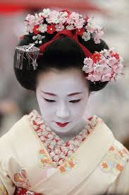 i 3 traditional geisha hair and make up