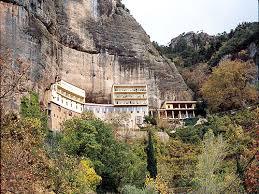 Αποτέλεσμα εικόνας για μονη σπηλαιων καλαβρυτα