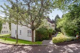 1 Bedroom Flat To Rent   Ivy Drive, Lightwater, Surrey