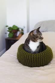 diy soft knit cat bed via abeautifulmess com