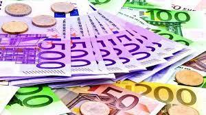اليورو الأوروبي يواصل الارتفاع مقابل الجنيه بالبنوك اليوم الأربعاء
