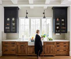 5 Farmhouse Style Kitchens With Wood Cabinets