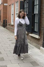 Helen Atkin Fashion Assistant at LFW SS17 Mango t-shirt Zara dress Uniqlo  socks Converse trainers | Instyle fashion, Fashion, Zara dresses