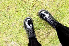 how to break in doc dr martens boots