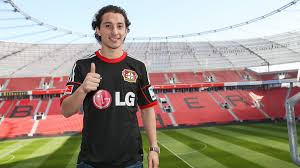 Guardado ran from two uniformed police officers into an alley, where he died after being shot by deputies. Bayer 04 Leverkusen On Twitter Fbf Andres Guardado