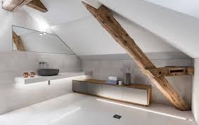 Die allergikerfreundliche wohnung ist komplett mit einer fußbodenheizung und laminatboden bzw. Schrag Schick Richtig Gemutlich 8 Bader Unterm Dach