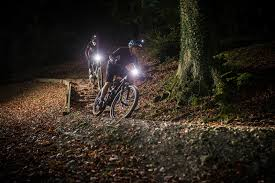 Bike Light Comparison Chart Lights Buying Guide Wiggle Cycle Guides