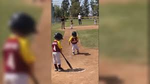 Size Of Home Plate Pint Size Ballplayer Savors His Walk To Home Plate Video Abc News